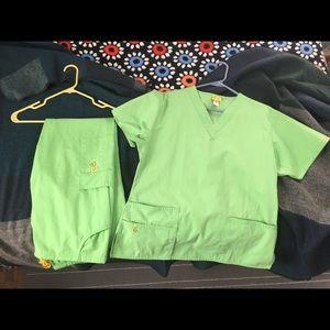 NWOT Green scrub set ($40 value)